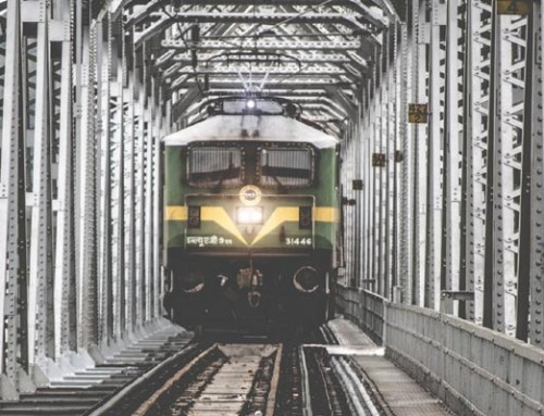 All Railway Stations be 100% LED lit by April 2018 : Indian Railways